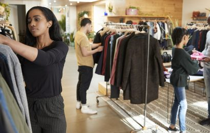 What are the things to remember when doing online clothing shopping?