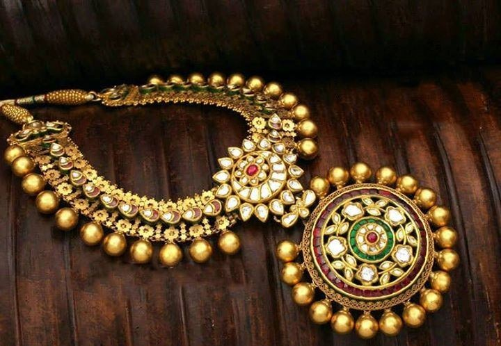 Why to buy Artificial Jewellery and Ethnic Necklace Set Online?